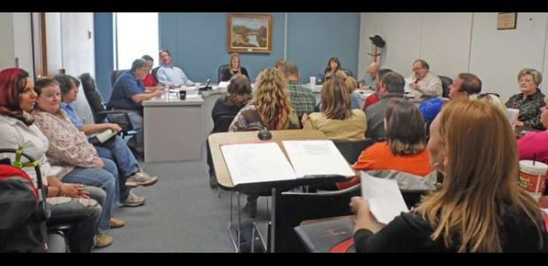 Citizens address E.I.S.D. Board of Trustees in Open Forum at their March 6th meeting.